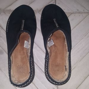 UGG Size 10 Slippers/Mules
